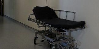 caduta dal una barella in ospedale