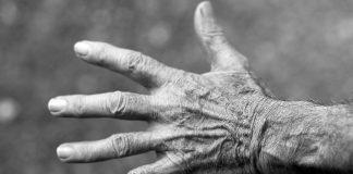maltrattamento di anziani