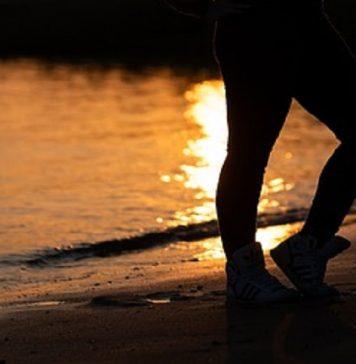 corsa sulla spiaggia