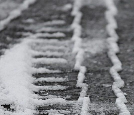 caduta sulla lastra di ghiaccio