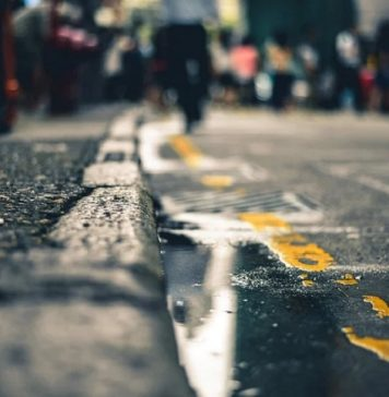 buca sulla strada