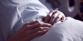 Decesso di mamma e figlio subito dopo il parto