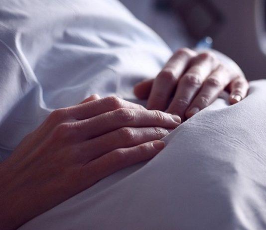 neonata morta due ore dopo il parto