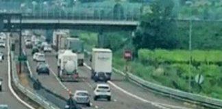 travolto in autostrada