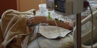 morta dopo un intervento alla carotide