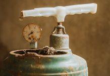esplosione di una bombola di gas